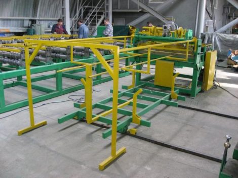 Roofing manufacturing equipment in Russia Transverse metal slitting line up to 1.2 mm.